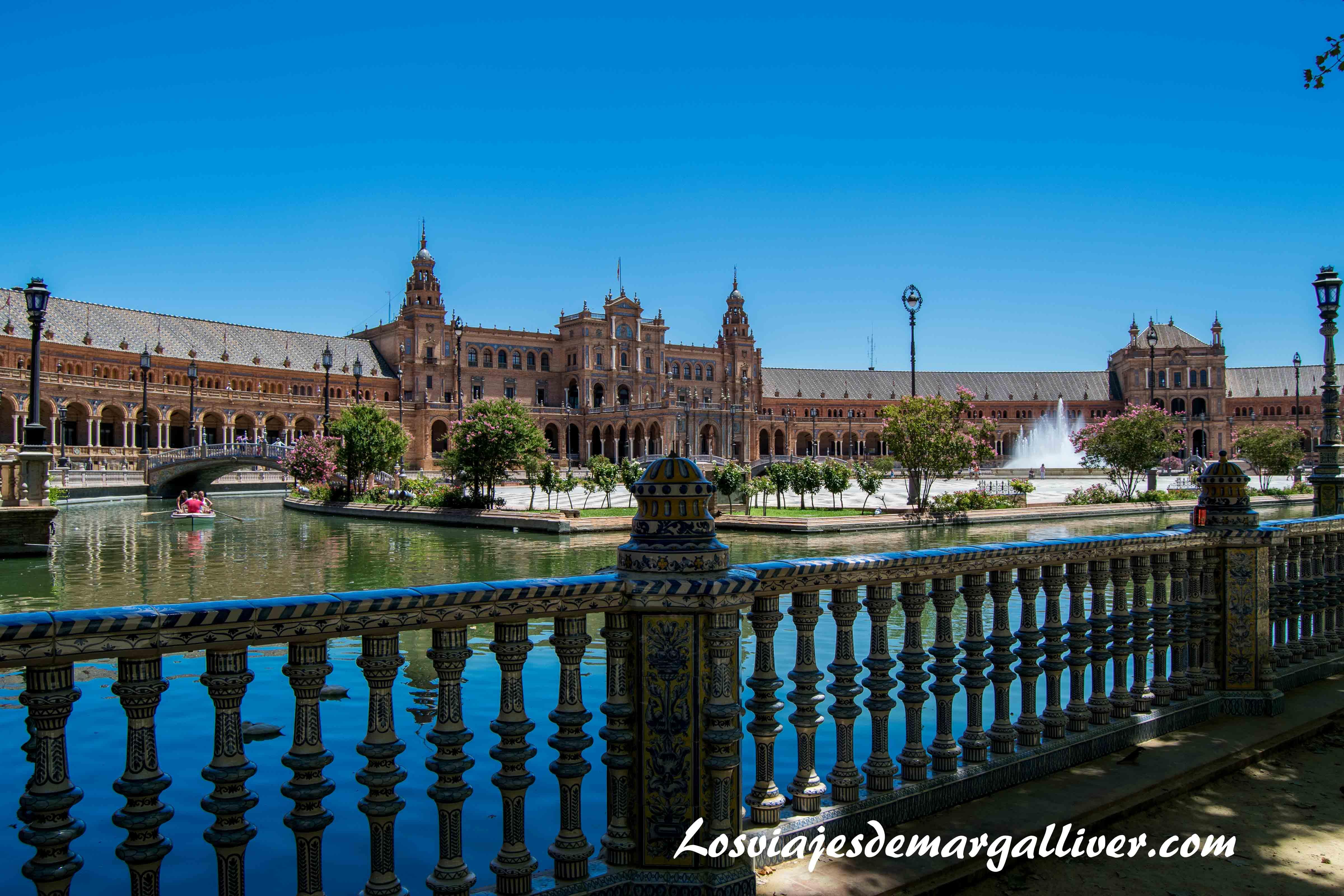 plaza de España en Sevilla , ruta por Sevilla - Los viajes de Margalliver